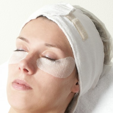 Eye lifting pads